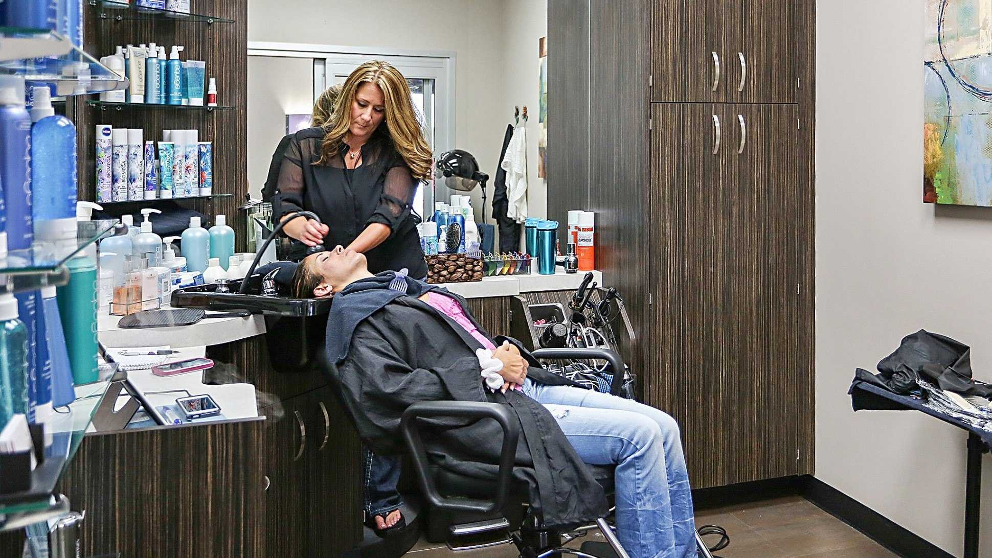 How Much Does It Cost To Open A Beauty Salon