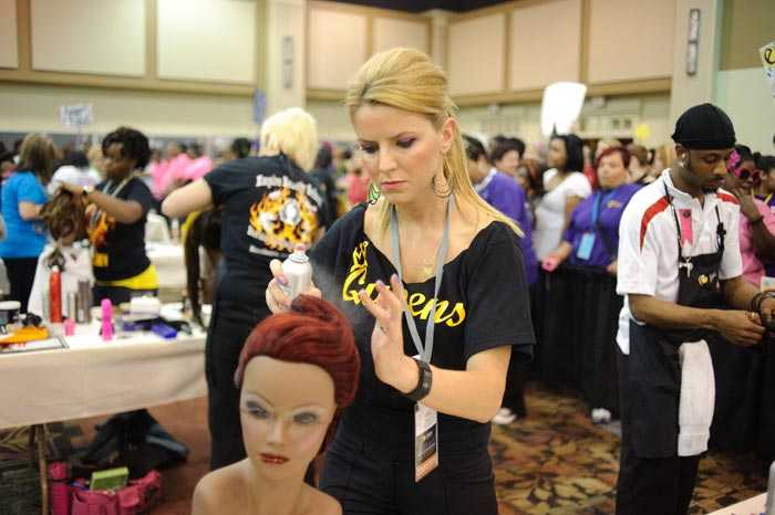 Complete Guide to Beauty School